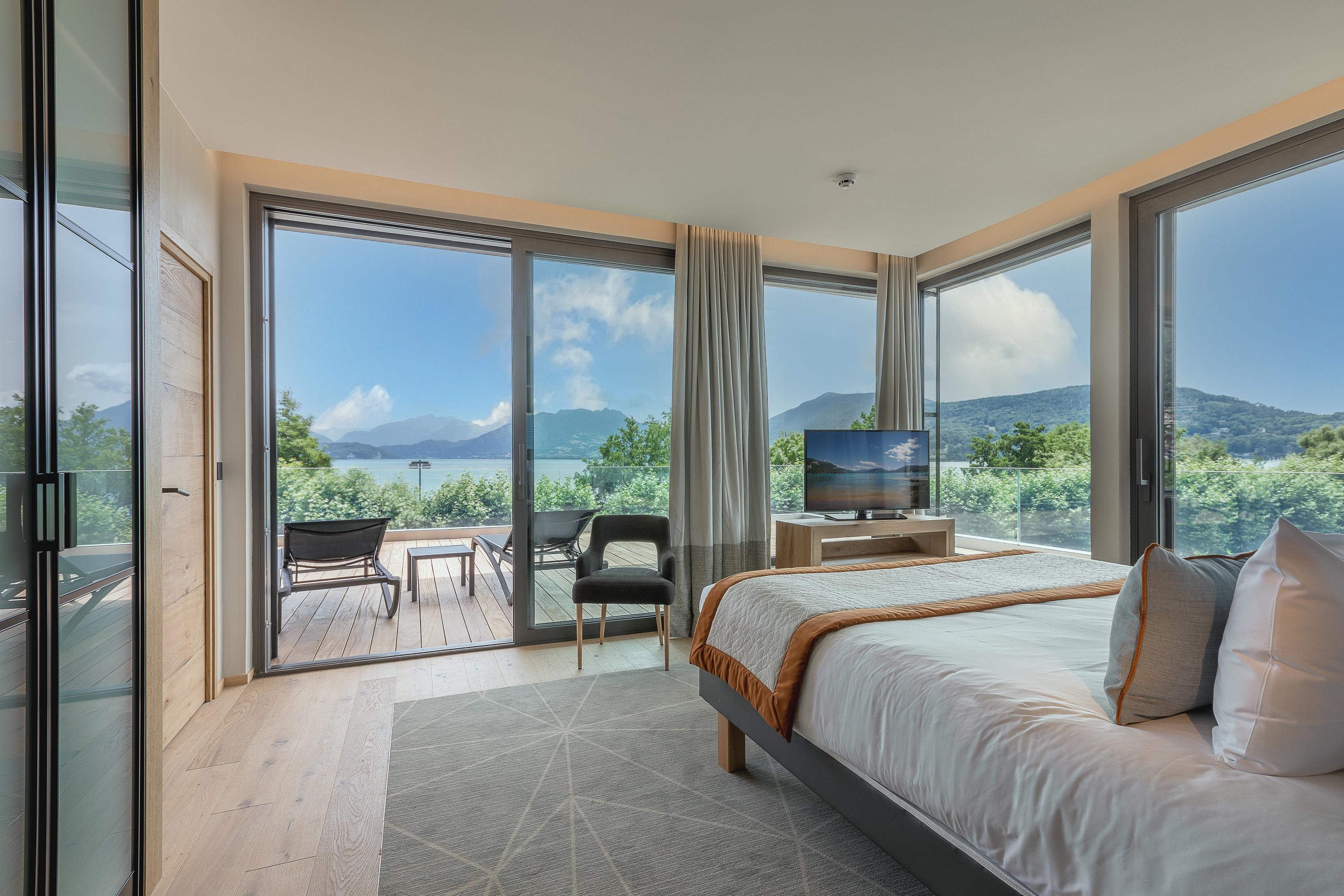 Penthouse de Hôtel Rivage avec vue sur le lac d'Annecy