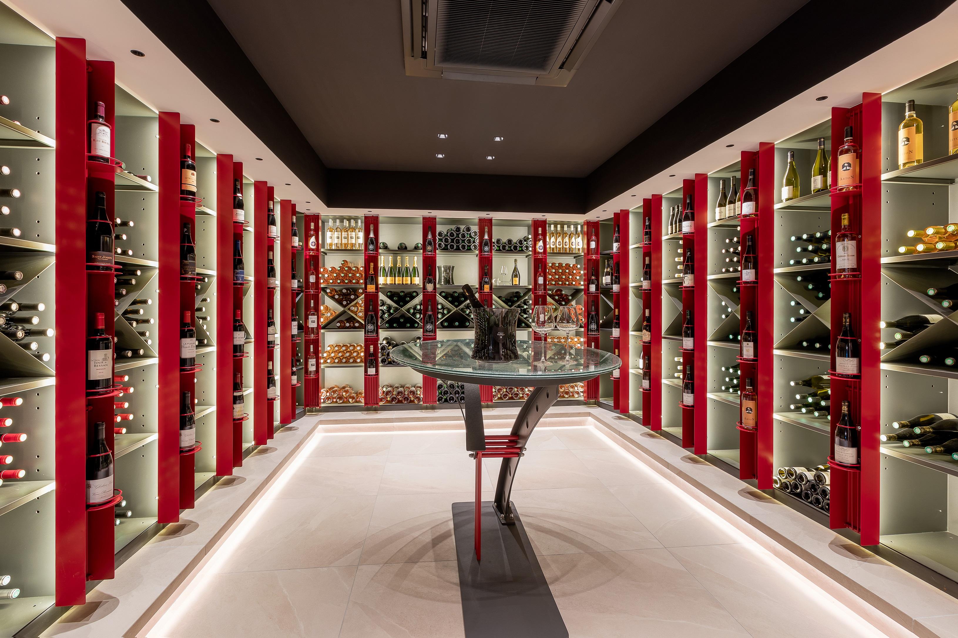 Cave à vin avec plus de 3000 références