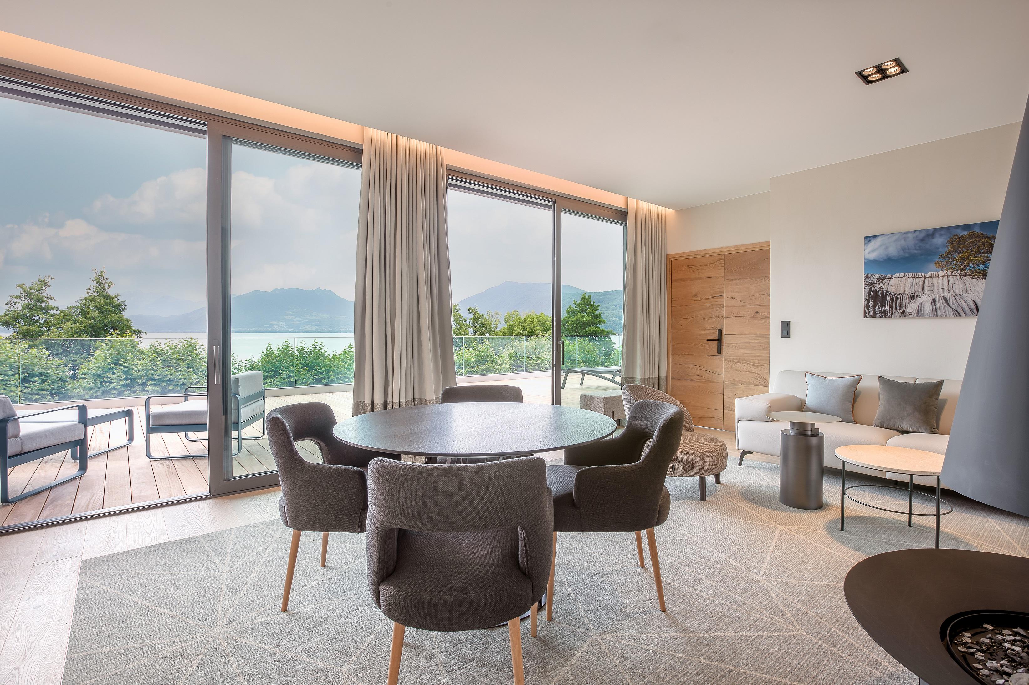 Penthouse del'Hôtel Rivage avec vue sur le lac d'Annecy