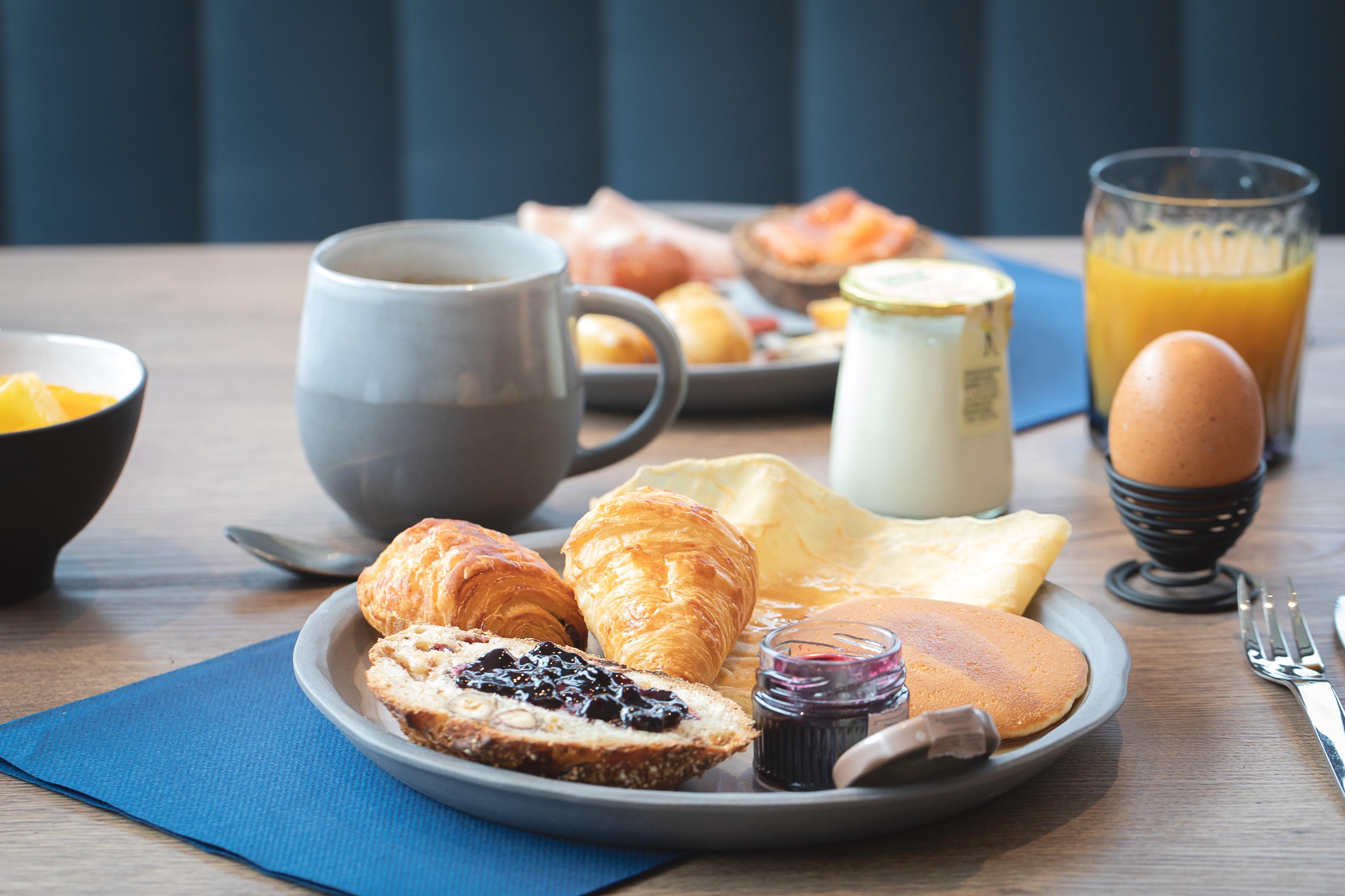Buffet petit-déjeuner au Rivage Hôtel & Spa