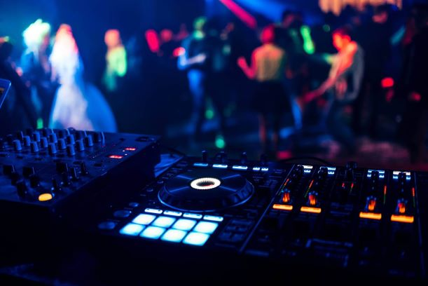 DJ Mixing Desk - DJ Knight