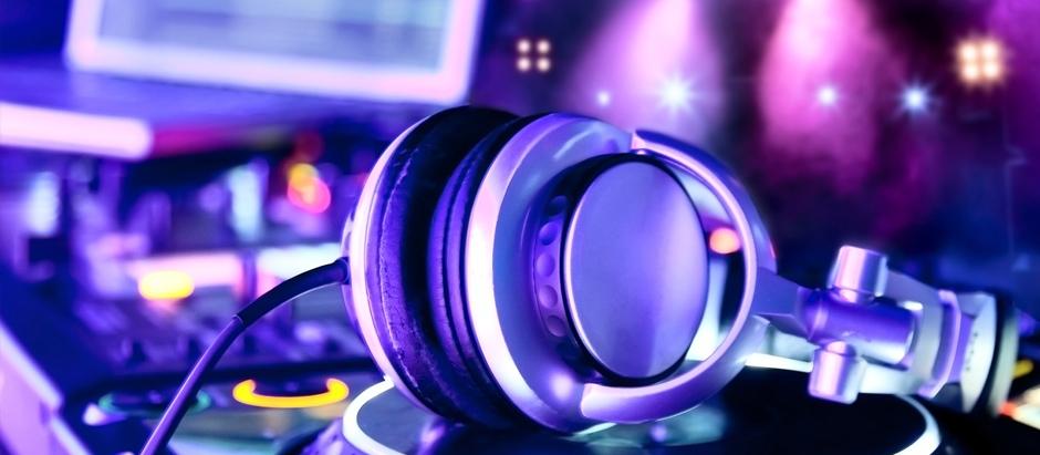 Book your DJ