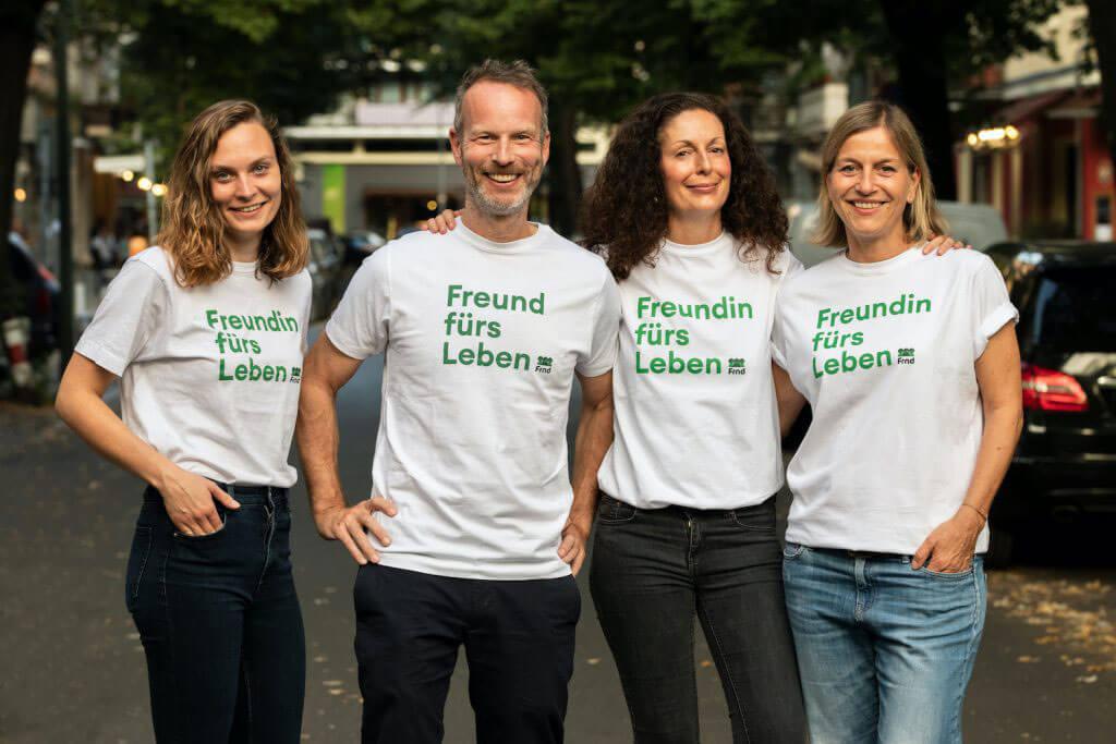 Abbildung für die Kooperation von Schröder + Schömbs PR mit Freunde fürs Leben