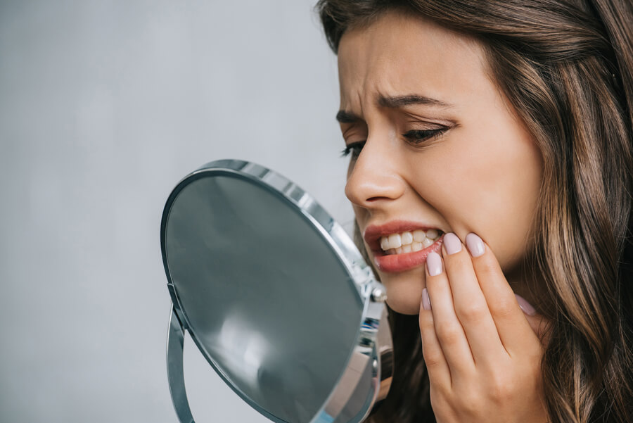 Choosing when to go for emergency dentistry in San Jose.