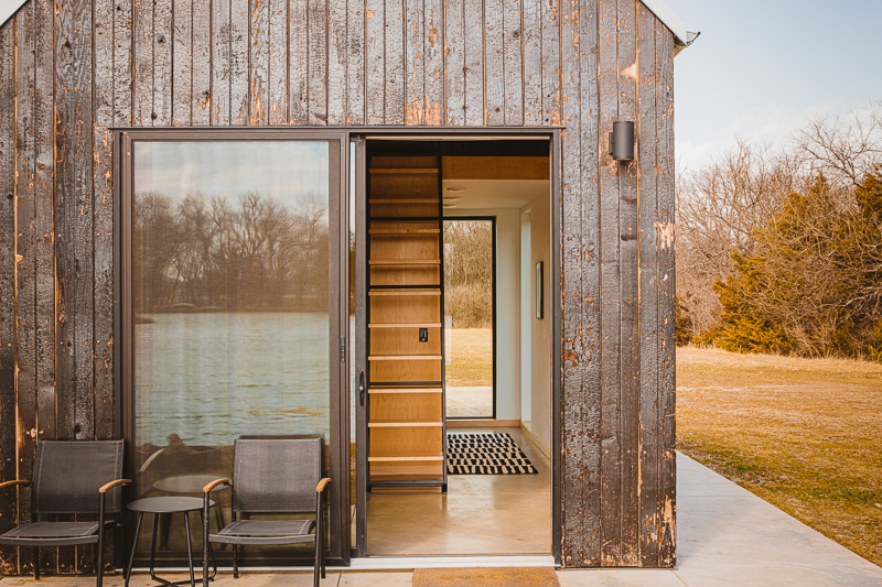 The cabins inspire a sense of adventure and mid-century style, and are the ideal way to be surrounded by nature without sacrificing comfort.