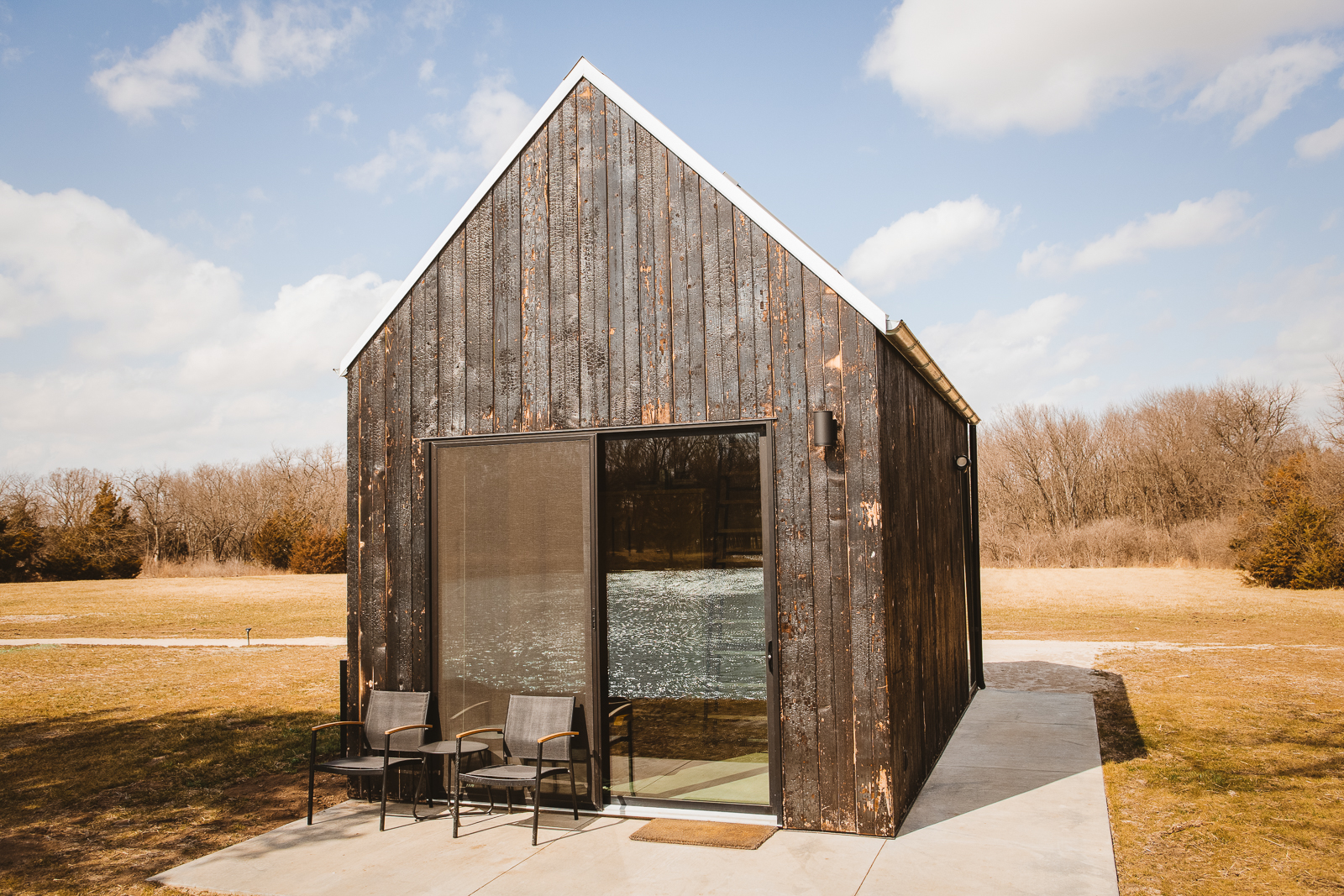 Our beautiful cabins are available to rent for the perfect getaway near Kansas City, Springfield, and Wichita.