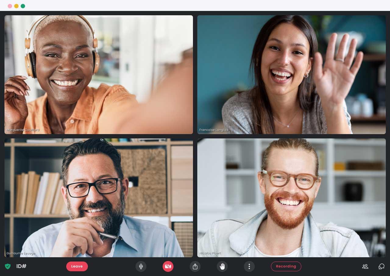 L'interface de bureau de Crewdle avec quatre professionnels en réunion.