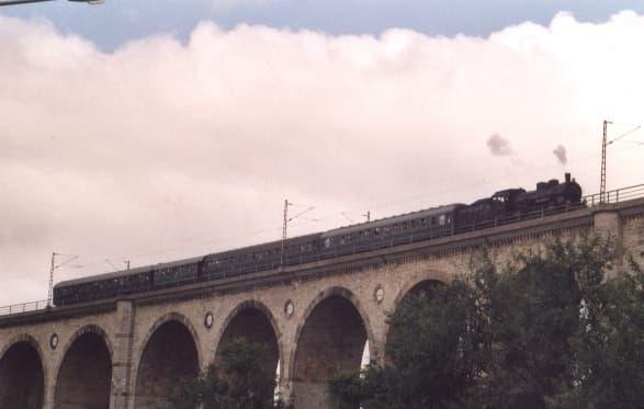 Het spoorwegviaduct bij Altenbeken dat het doelwit was van de 381 BG