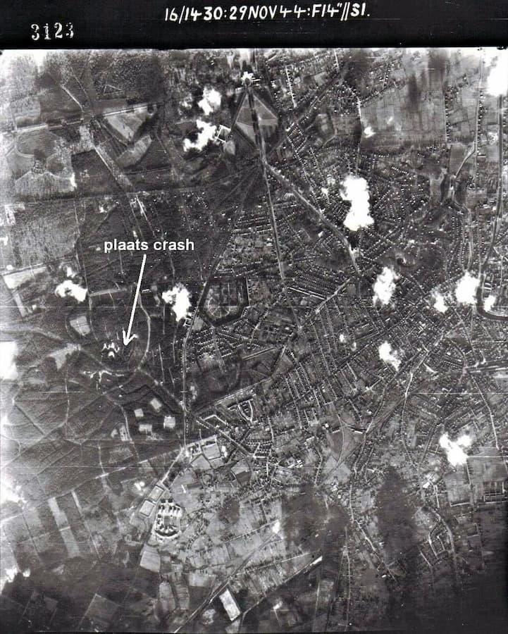 Luchtfoto nr. 12 - zie bijschrift in de tekst hierboven