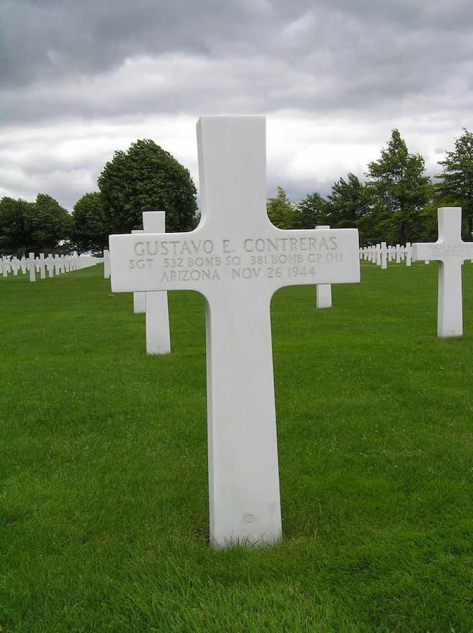 Het graf van Gustavo E. Contreras op de Amerikaanse oorlogsbegraafplaats 'Margraten' (foto: Jelle Reitsma)