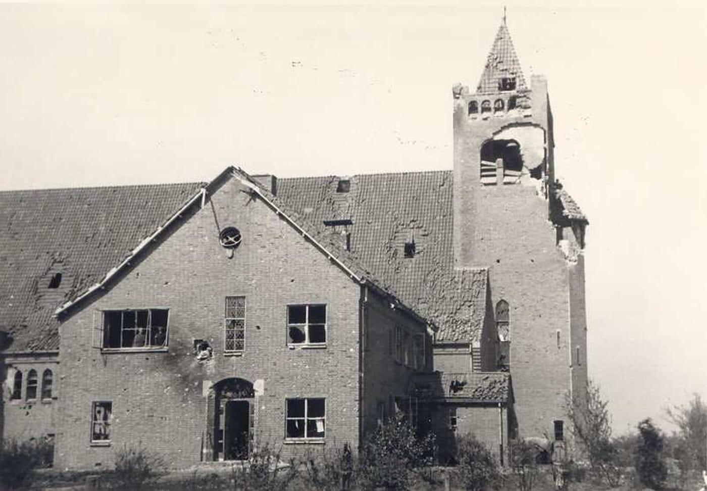Oorlogsschade aan de Theresiakerk