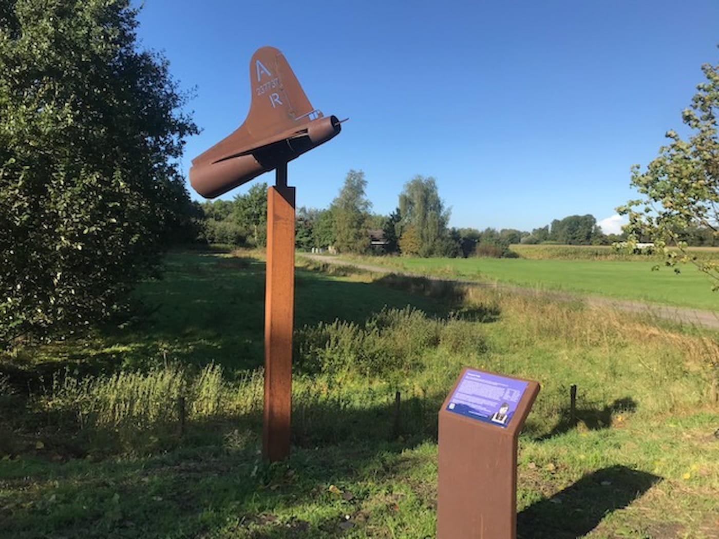 Monument voor vliegtuigcrash Beemte onthuld