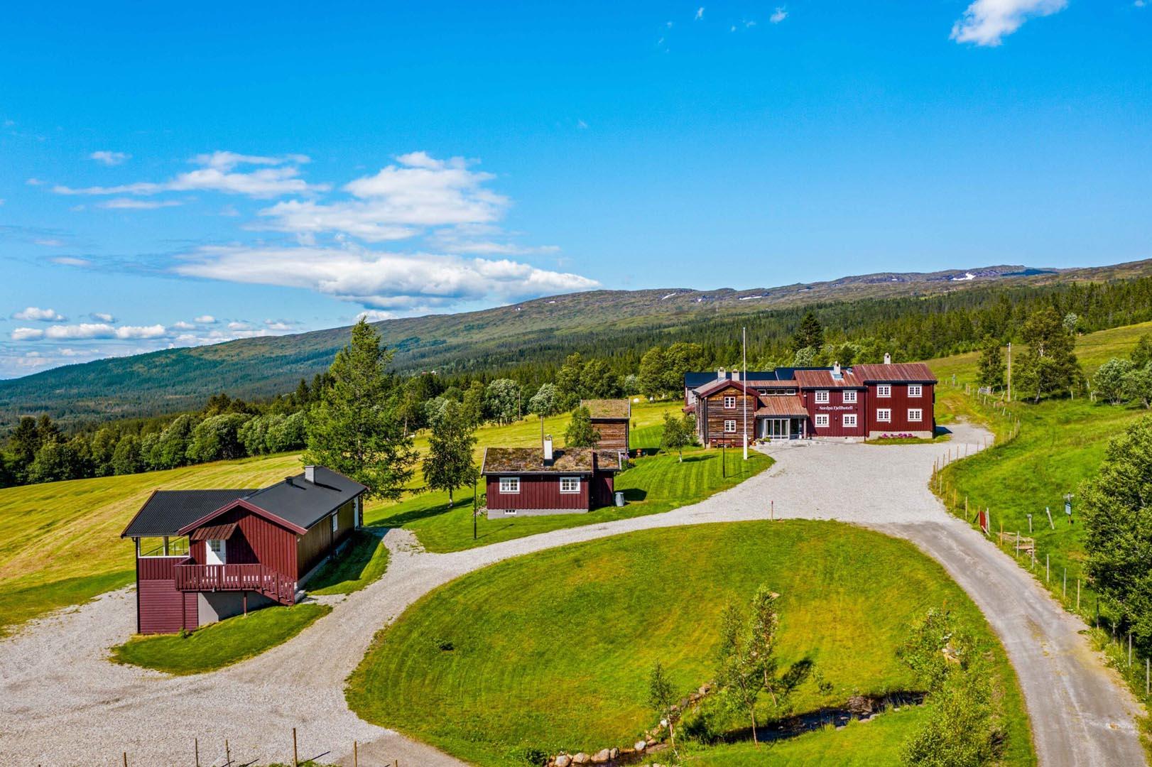 Bilde av utsiden på Nordpå Fjellhotell.