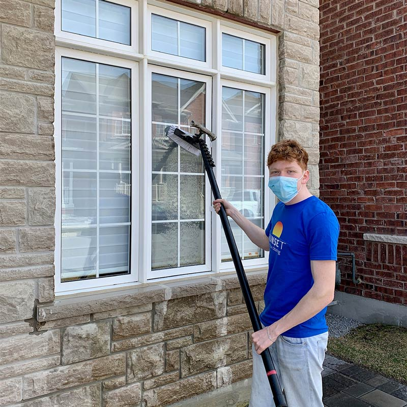 Professional window cleaning in Markham, ON