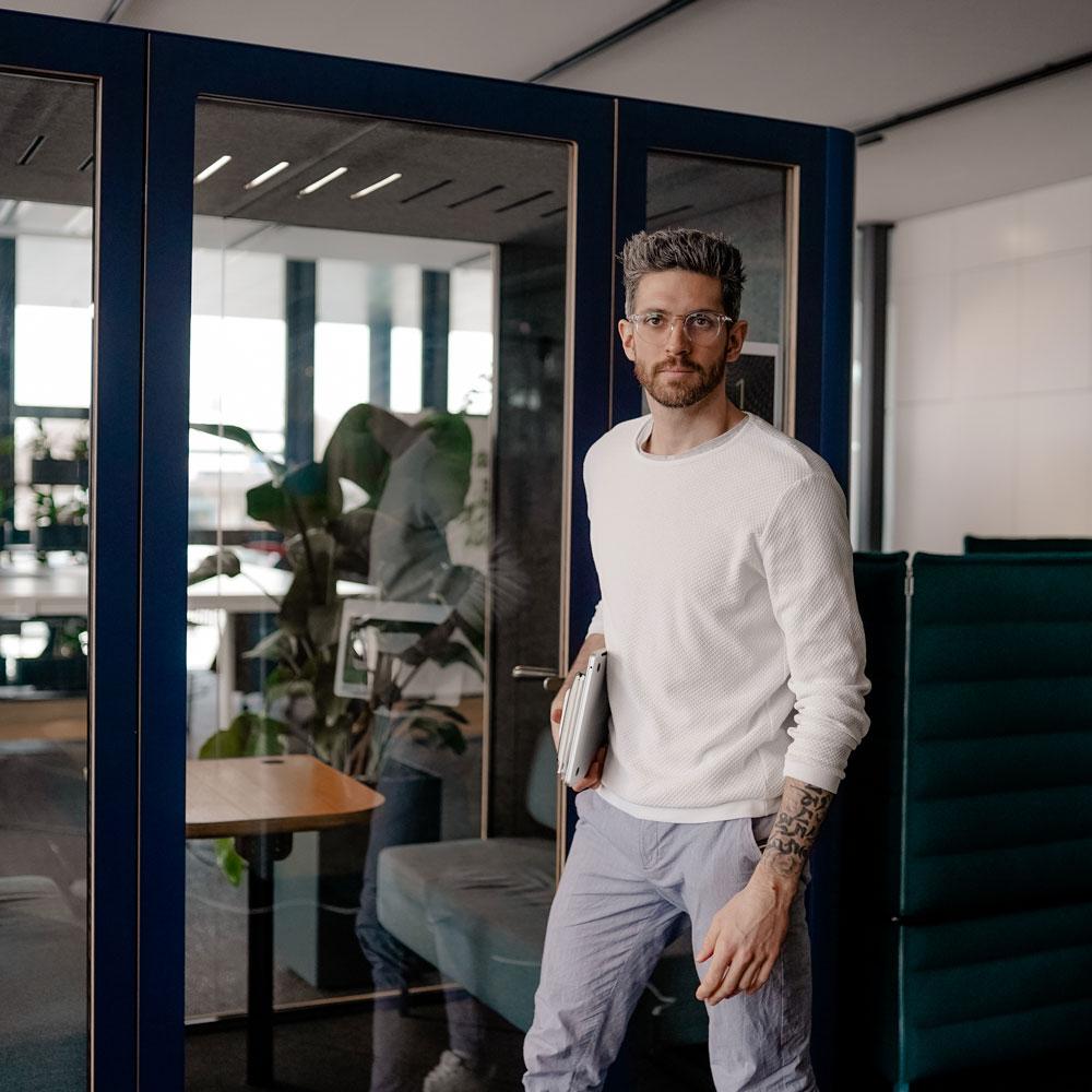 Sebastian Mahr im Office