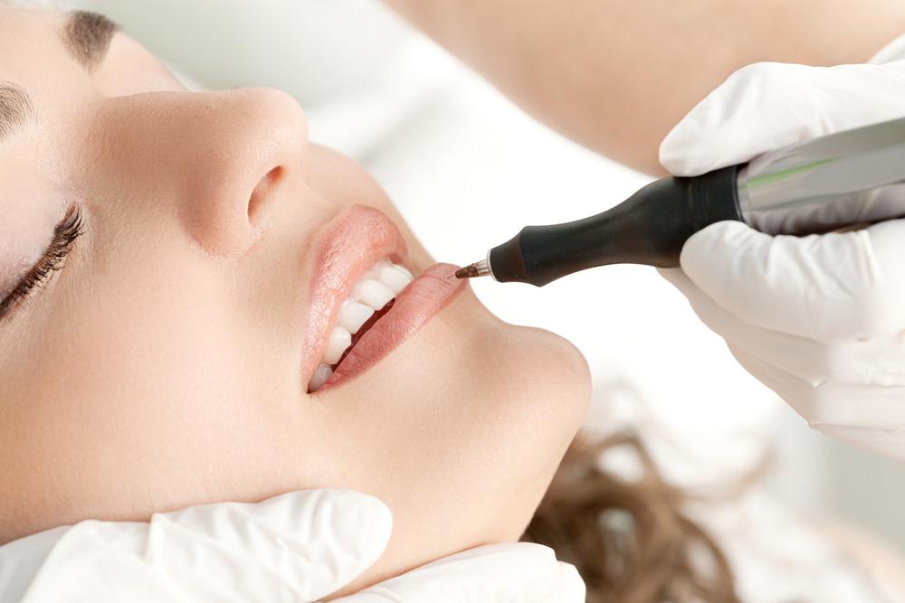 Lūpų mikropigmentacija