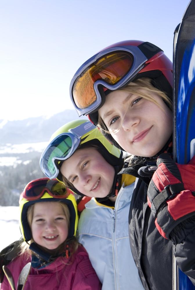 Keliaukite su visa šeima slidinėti