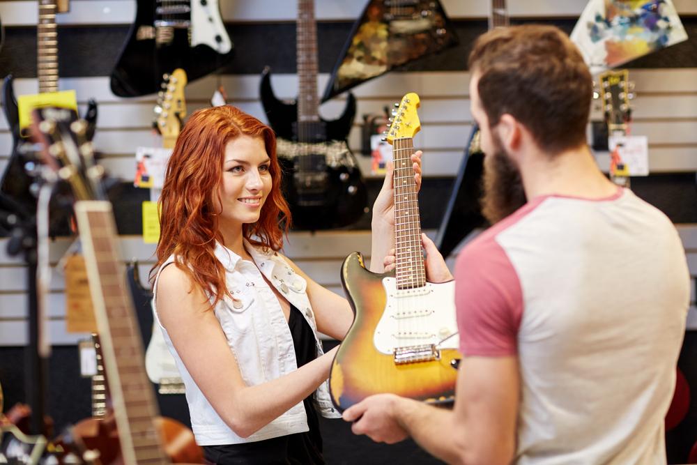 Kur pirkti gitarą
