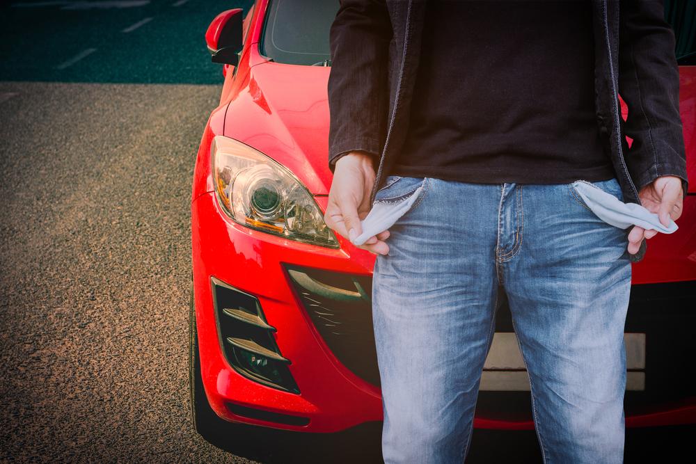 Mašina ir tuščios kišenės