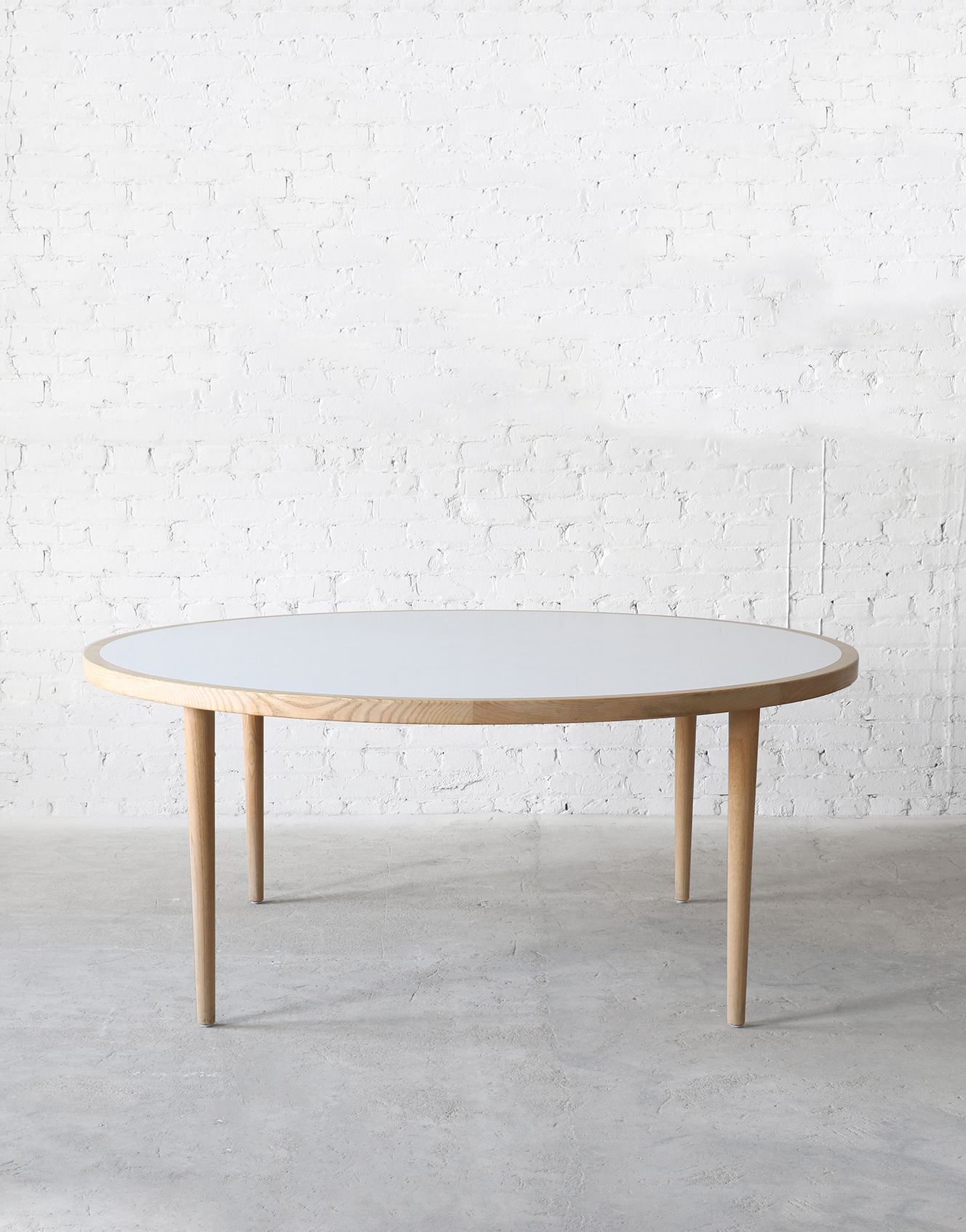 PP Møbler Ash / Laminate Round Dining Table