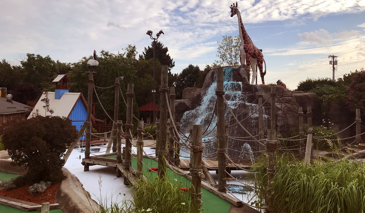 Mini golf at Clubhouse