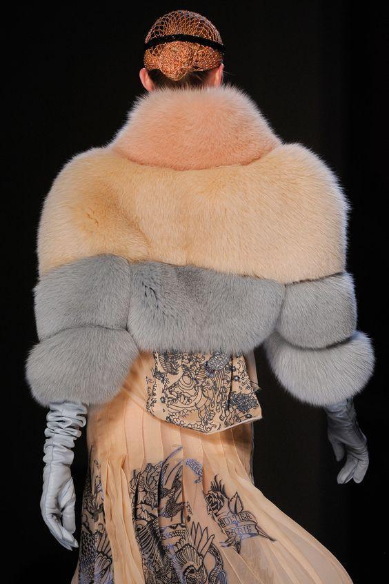 fur coat great gatsby dress code style