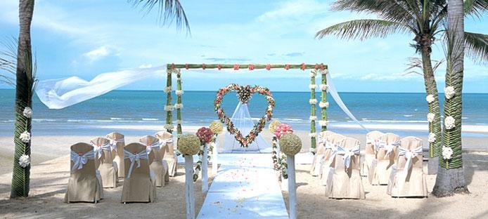 spring and summer weddings - beach wedding