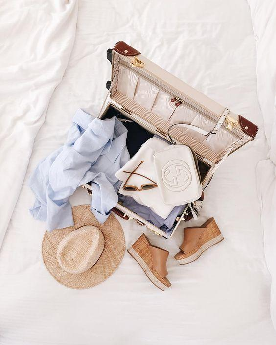 clothes essentials - weekend away