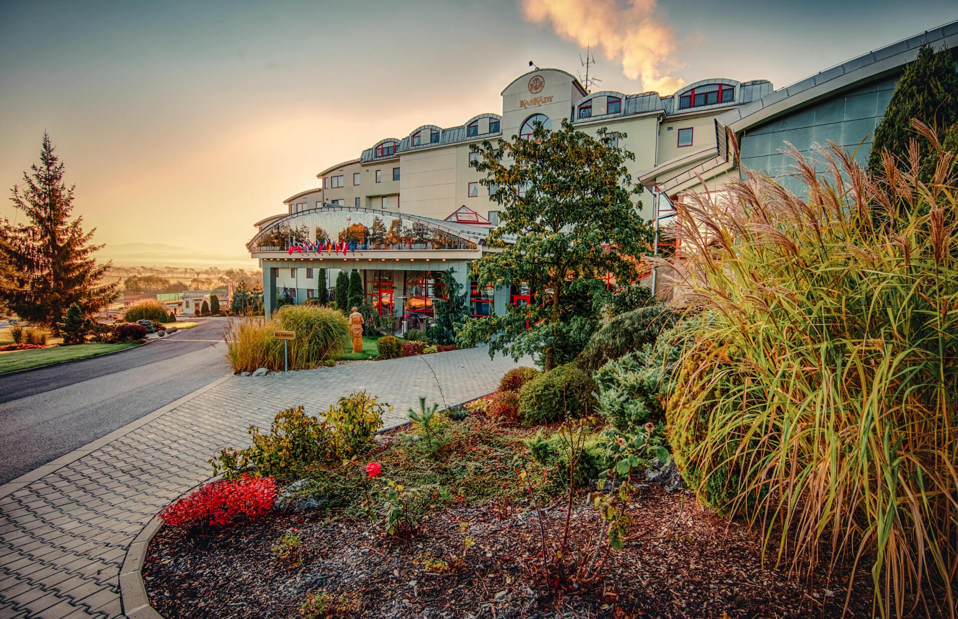 Hotel a Spa Resort Kaskady - vchod