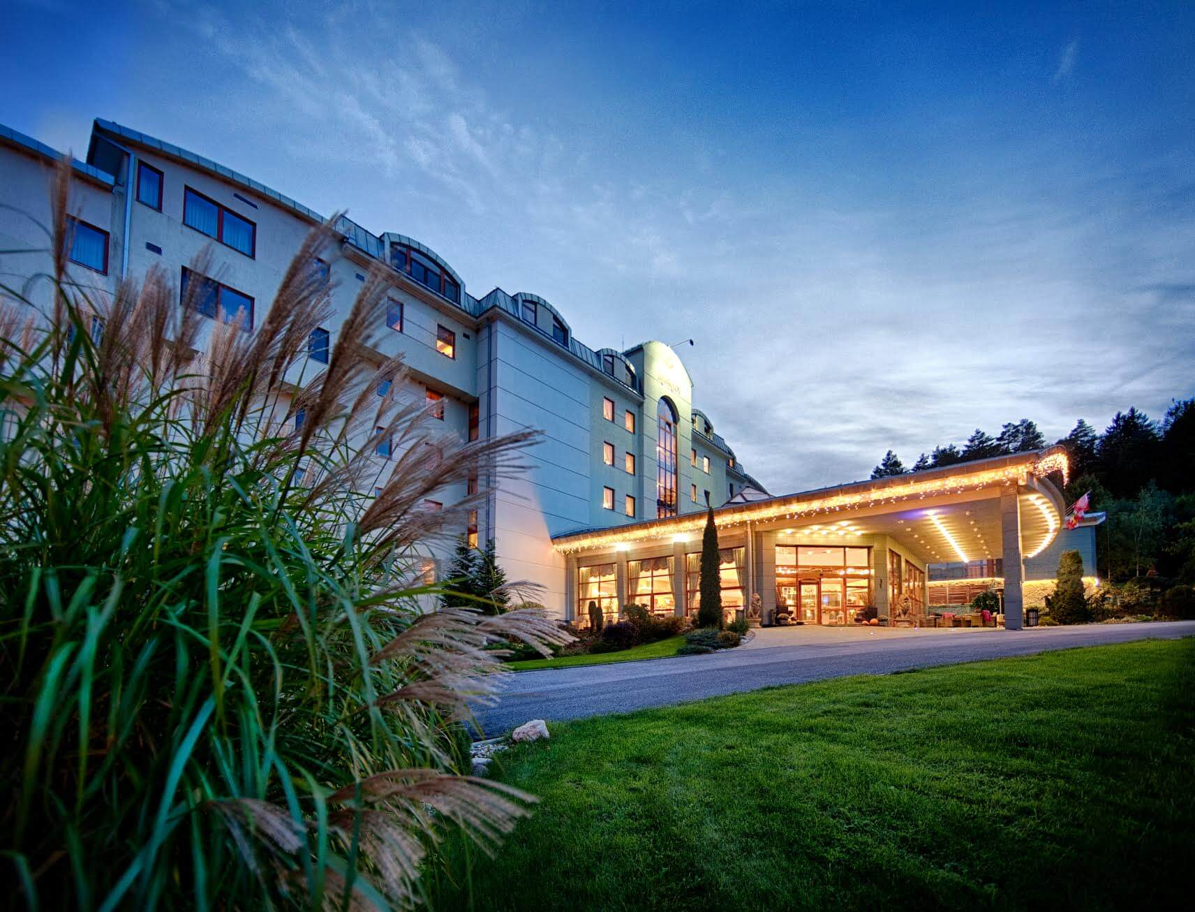 Hotel a Spa Resort Kaskady - hlavný vchod