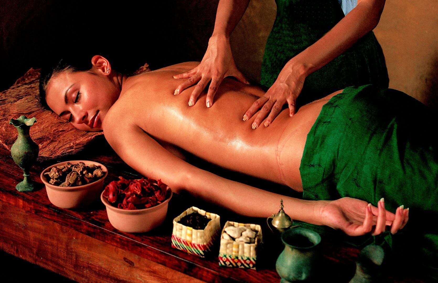 Relaxing Bali back massage