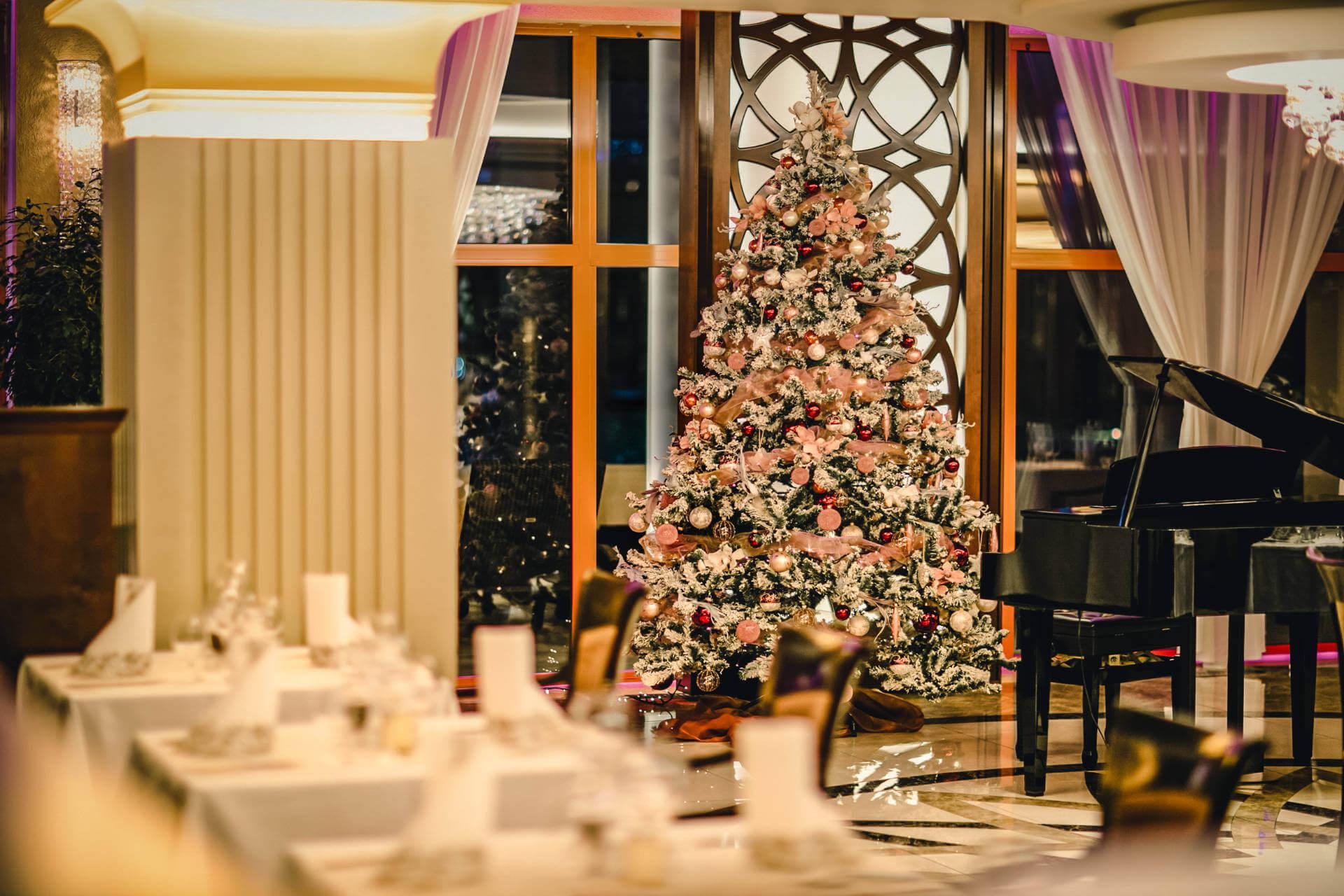 Hotelová reštaurácia Kaskady - vianočná výzdoba