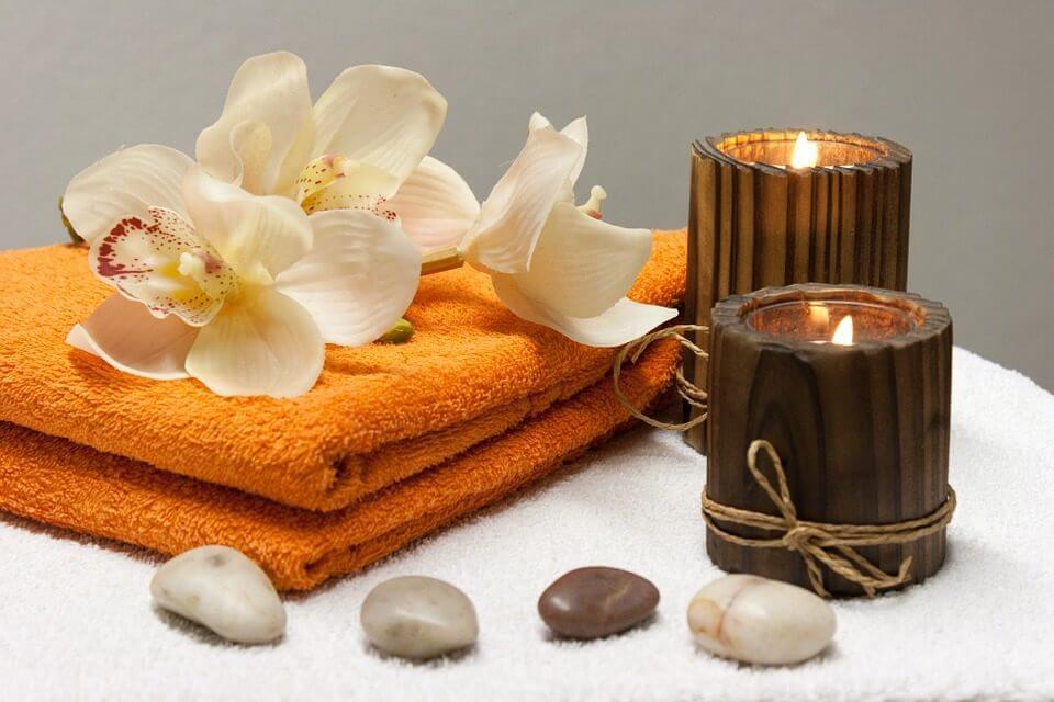Whole body lotus crystal massage