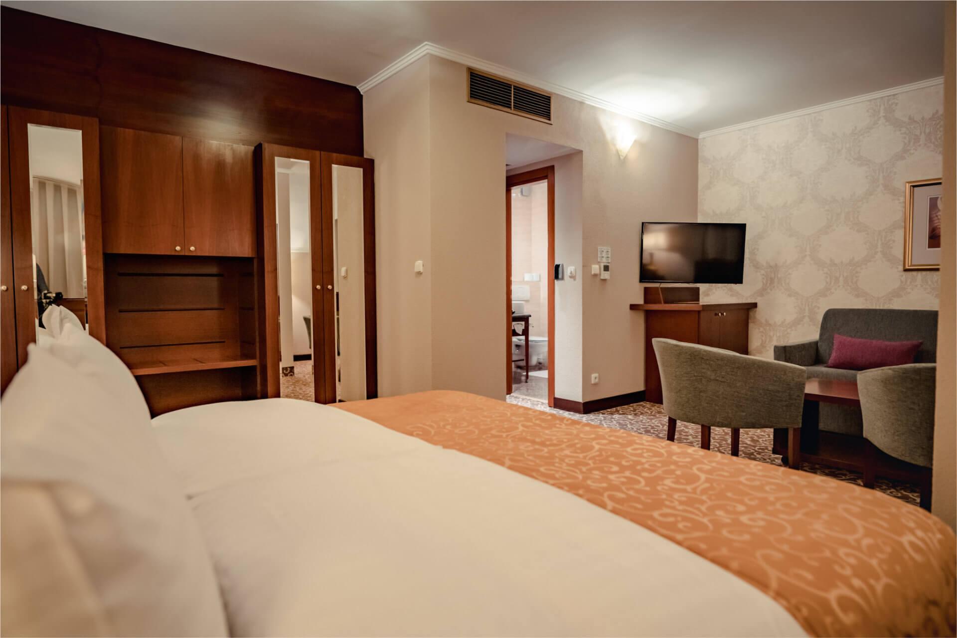1-room suite LUX