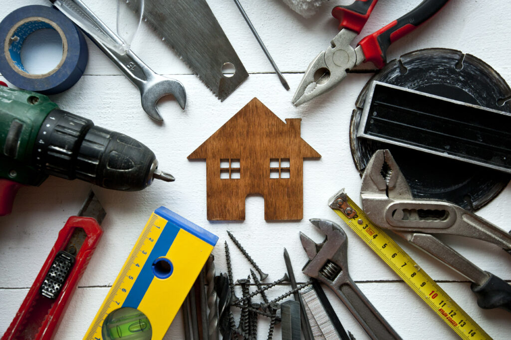 Полезни инструменти при строеж на къща