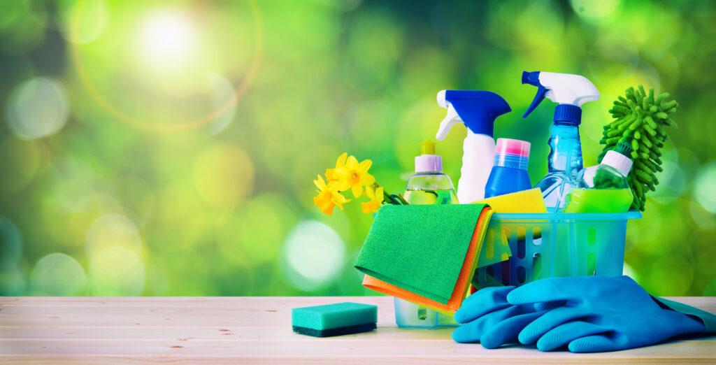 Препарати и материали за пролетно почистване на дома