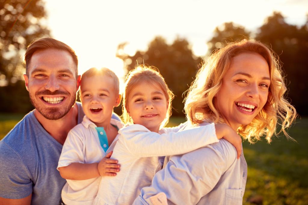 Щастие и хармония в семейство от майка, баща и две деца