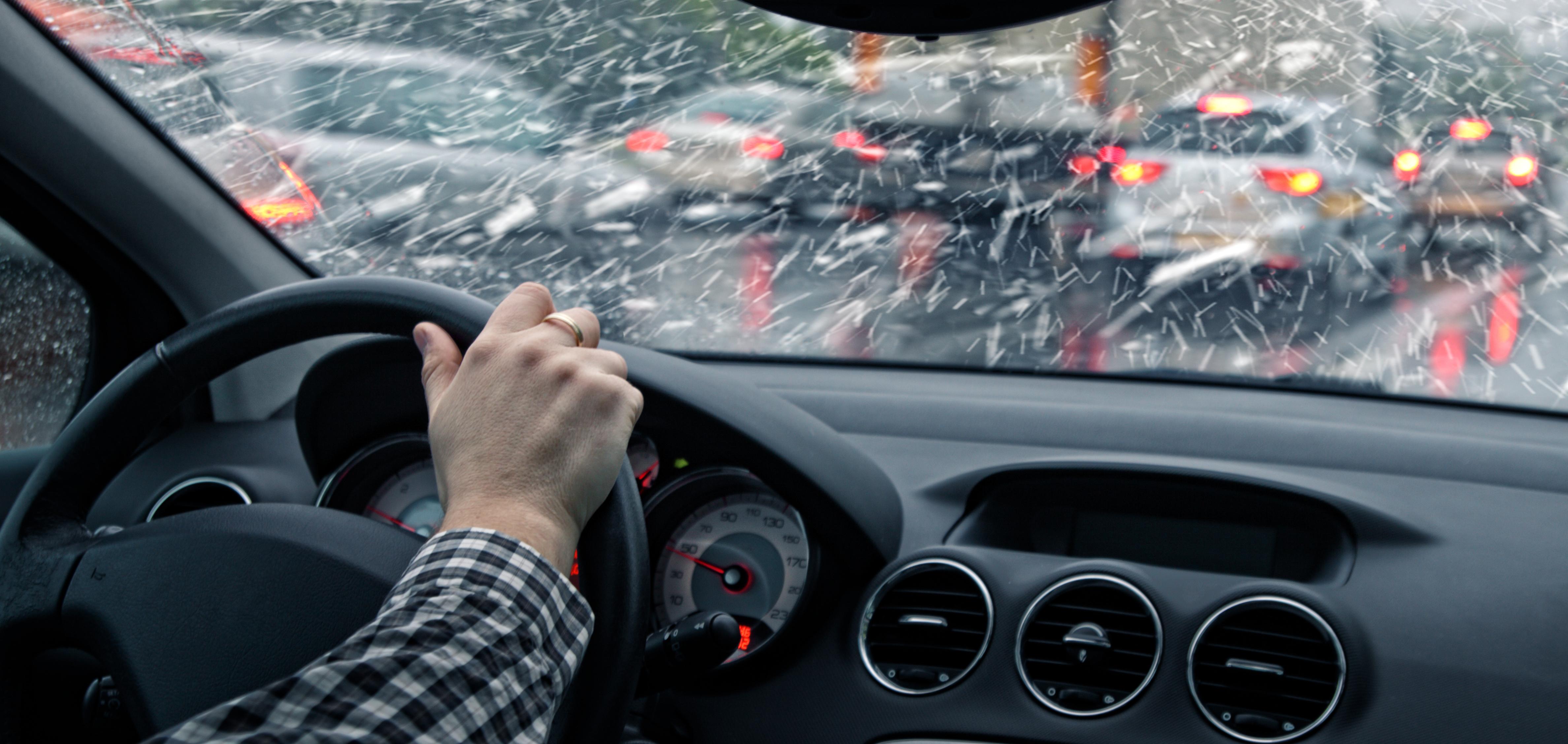 Шофиране на колата в зимни условия