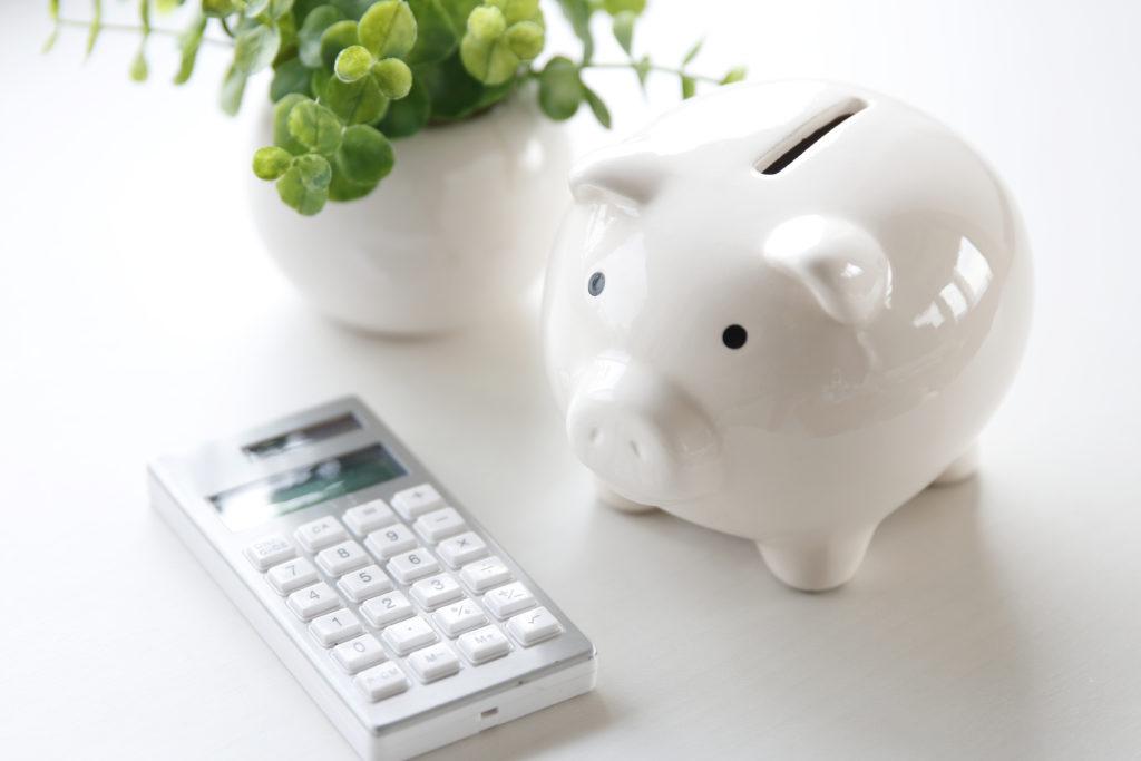 Празно прасе-касичка, налагащо тегленето на пари от фирми за бързи кредити