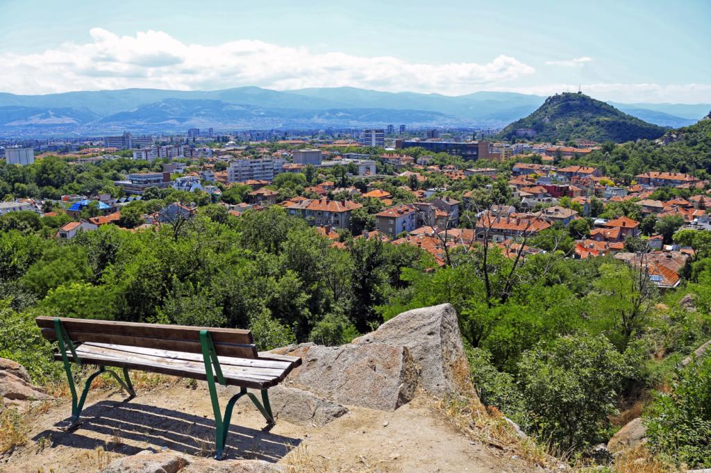 Пейка на едно от тепетата с изглед към Пловдив