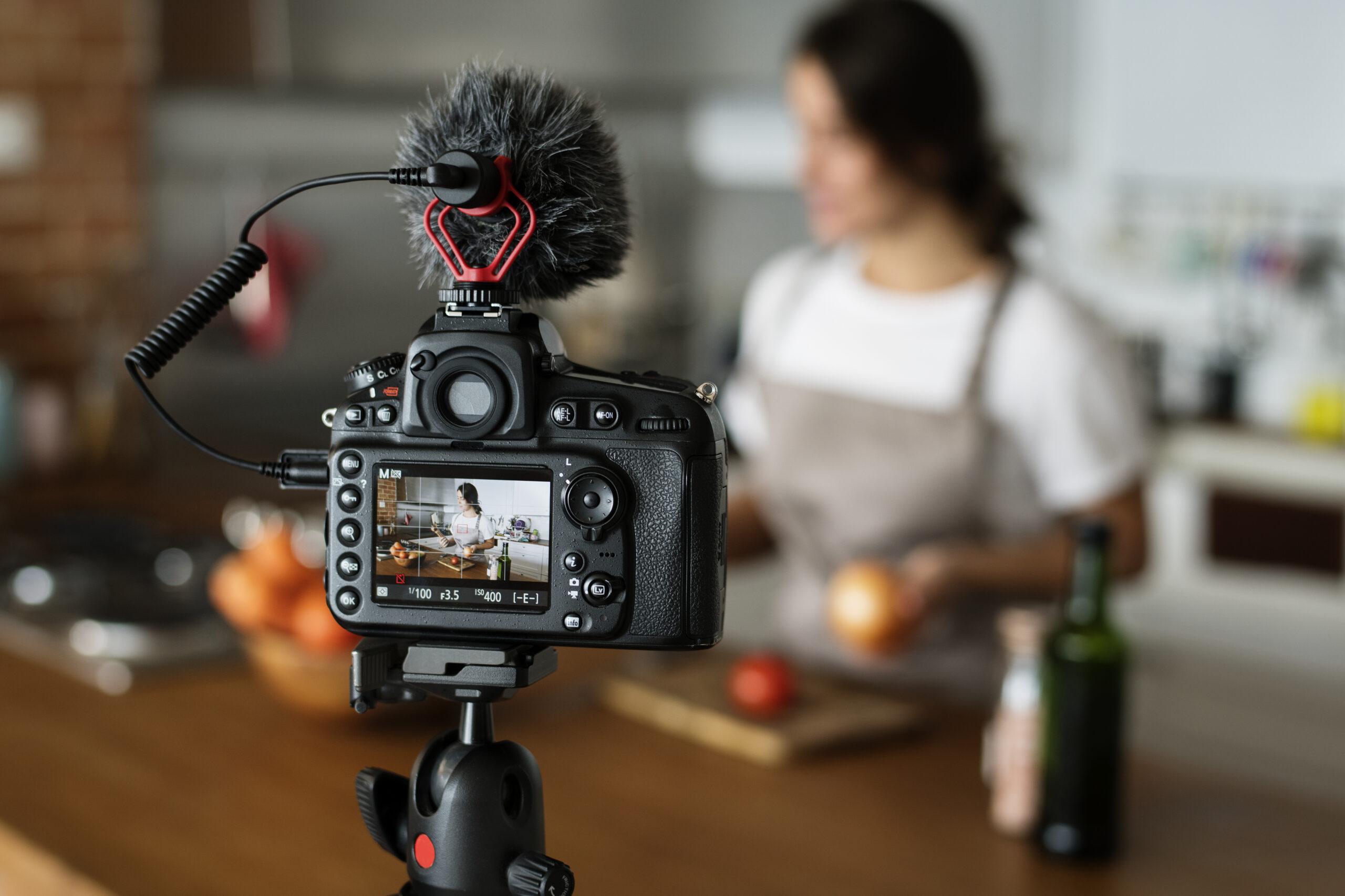 Топ 5 модели на камера за YouTube влогър