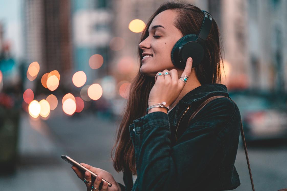 Защо обичаме да слушаме музика?