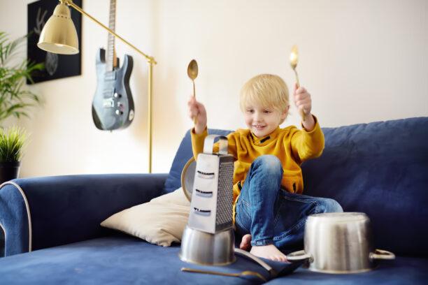6 причини децата да свирят на музикални инструменти