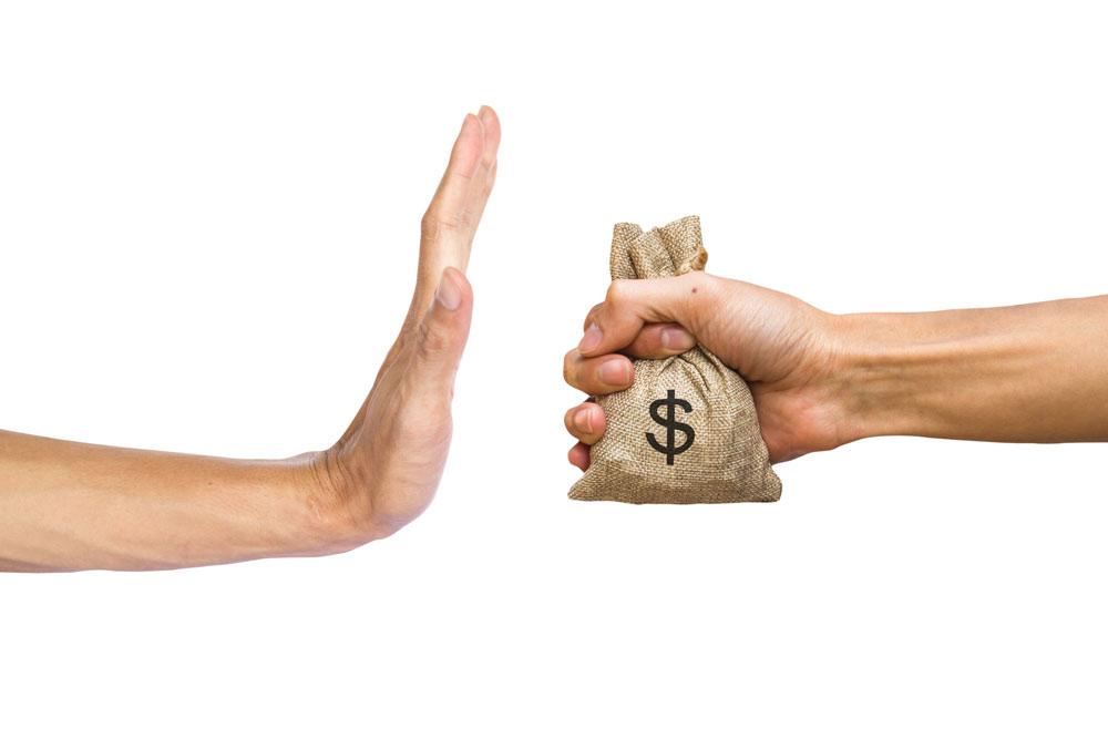 Защо не трябва да взимаме кредити от частни лица?