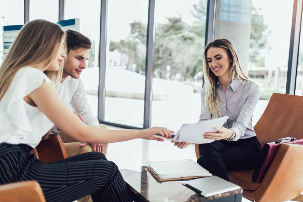 Какво е финансов консултант?