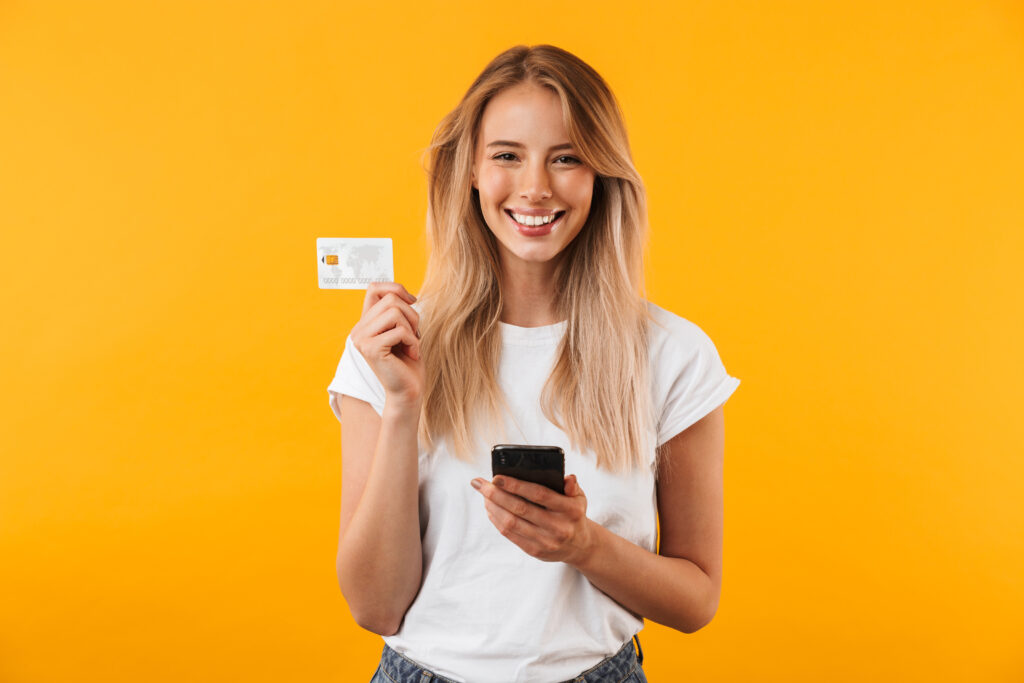 Каква е разликата между кредитна карта и дебитна карта?