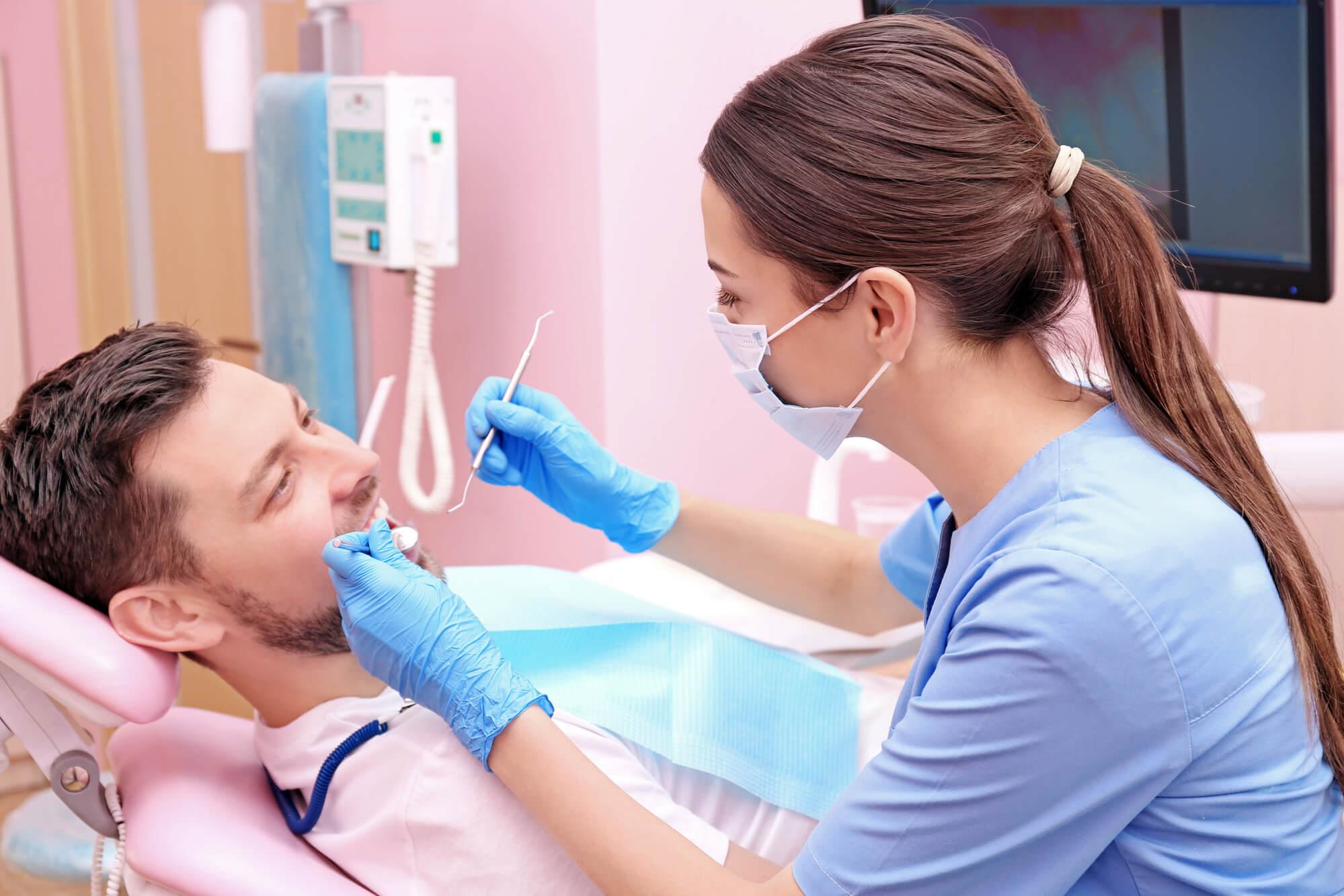 patient seeing an Emergency dentist Bessemer in AL