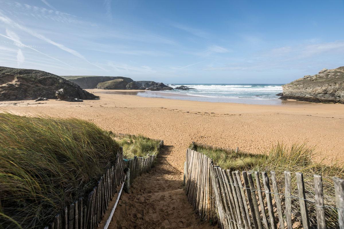 plage sable déserte belle île