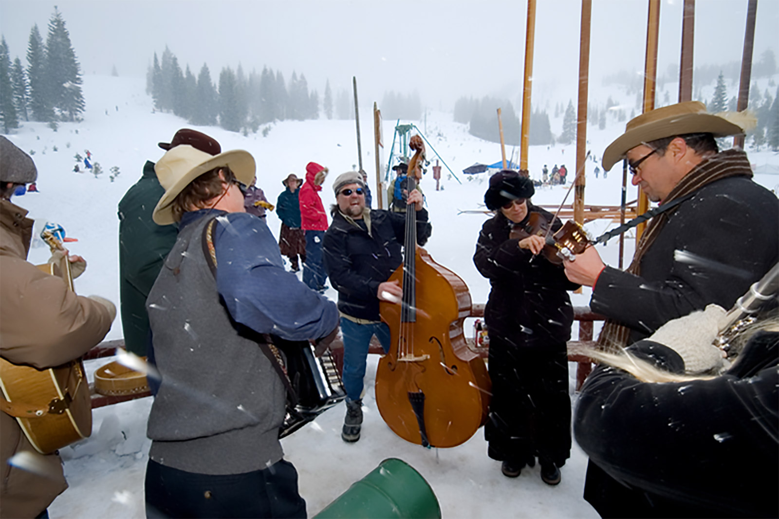 Band Performs at The Longboard Ski Races