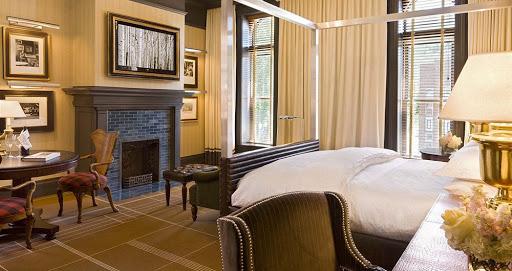 Hotel Jerome Suite 3